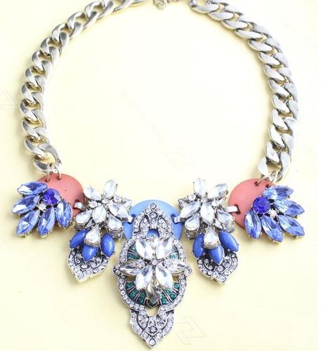maxi colar com cristais coloridos jcrew inspired