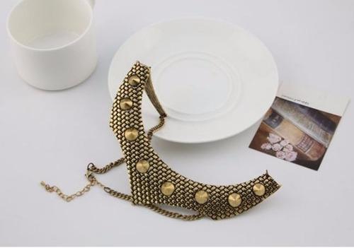 maxi colar importado em ouro velho com spikes fashion lindo