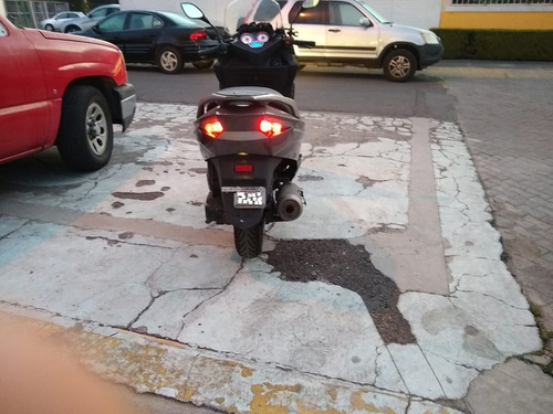 maxi scooter keeway silverblade benelli 250 cc motocicleta