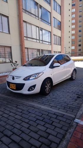 mazda 2 hatch back automática - impecable 2014