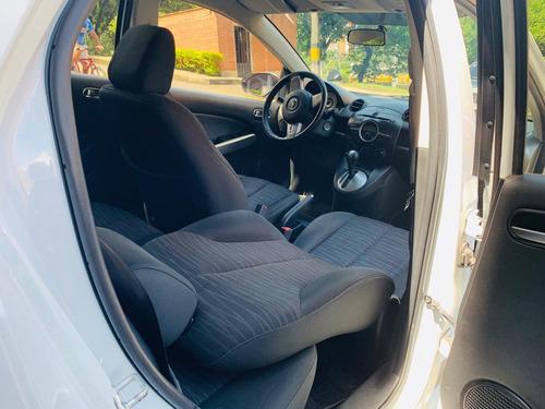 mazda 2 modelo 2011, 5 puertas, hatchback
