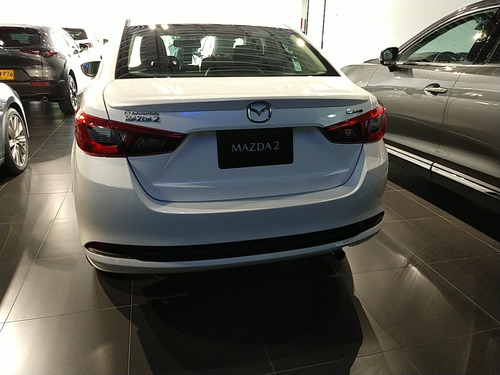 mazda  2 sedan grand touring mecánico 2021