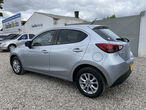 mazda 2 touring mt 1600cc 2018