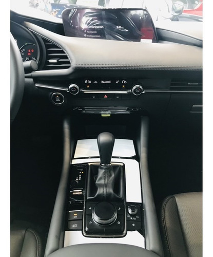 mazda 3  7g  touring automático sedan   2020