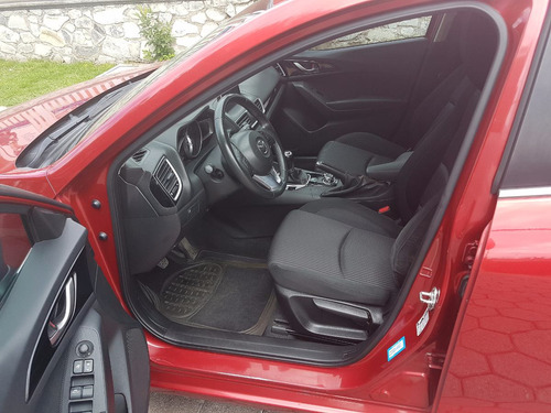 mazda 3 hatchback s skyactive en excelentes condiciones