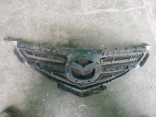 mazda 3 parrilla del parachoque y porta placa