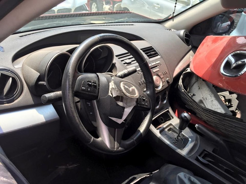 mazda 3 sedan modelo 2010 para reparar