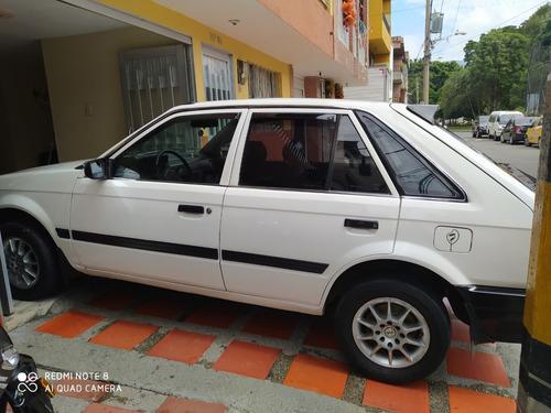 mazda 323 4 puertas