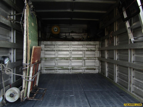 mazda b-2000 furgon