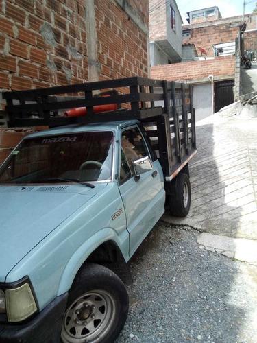 mazda b2000 estacas