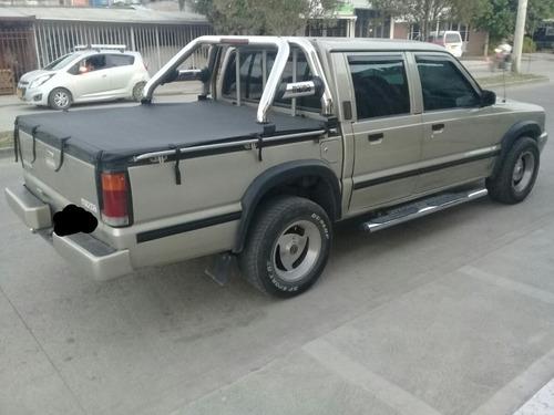 mazda b2200 doblecabina 1999