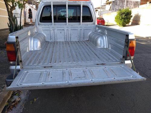 mazda b2500 caminhonete
