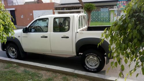 mazda bt50 2010 petrolera mecanica 4x4 diesel turbo doble