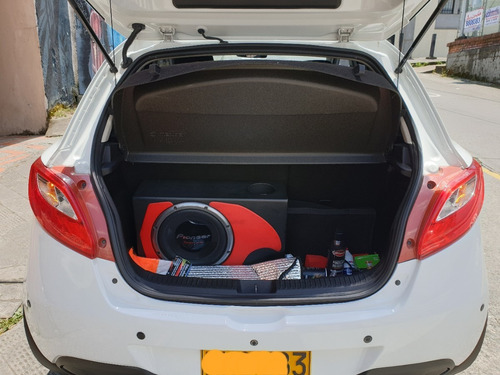 mazda mazda 2 hatchback 2014