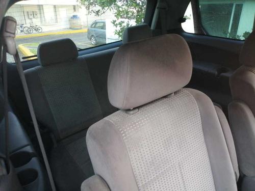 mazda mpv roja minivan de 3 filas de asientos