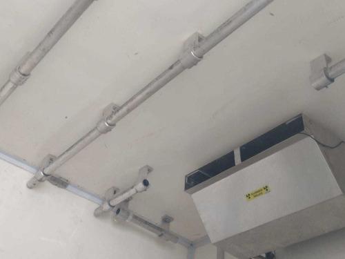 mb 1016 accelo ano 2013 bau refrigerado 5 mts gancheira
