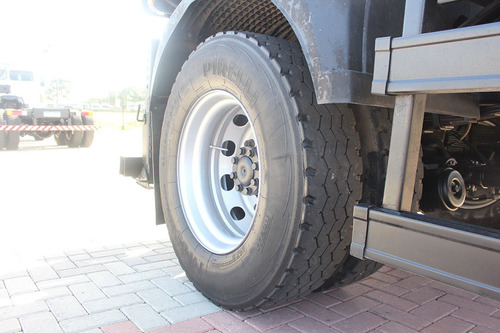 mb 1318 2012 4x2 cabine auxiliar caçamba toco mercedes
