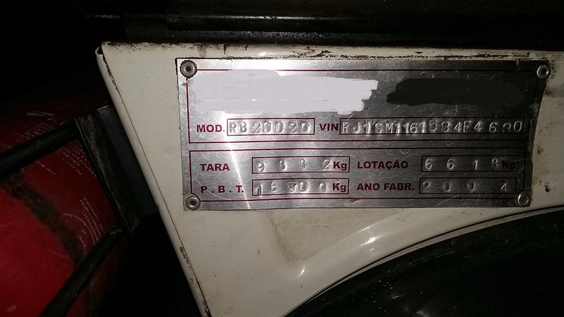 mb 1718 4x2 ano 2004 compactador usimeca