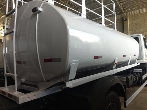 mb 1718 ano 2012 tanque de água