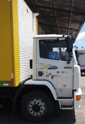 mb 1720 truck baú  8 metros ano 2004