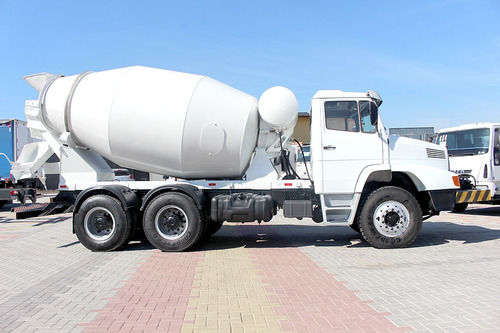 mb 2635 6x4 betoneira 8 metros = scania man vm ford cargo