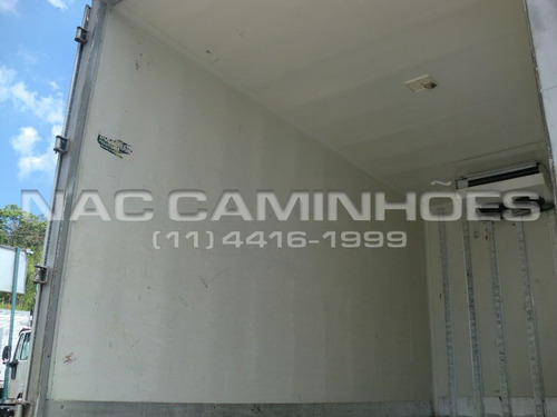 mb 710 ano 2001 bau refrigerado acoplado 4,50 mts