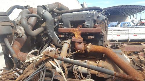 mb 710 no chassis para retirada de peças sucata