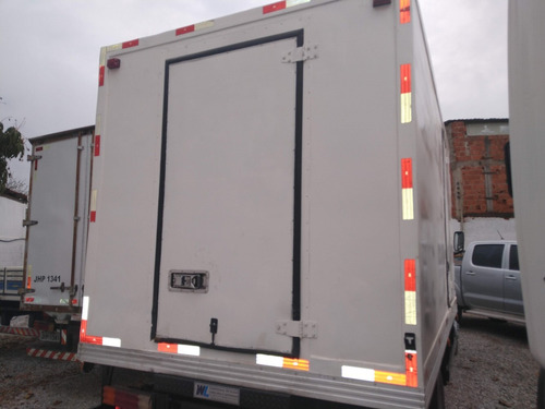 mb 710/09 branca baú frigorifico