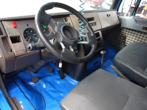 mb 912, baú, motor novo, excelente estado