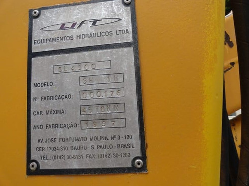 mb 914 ano 1997/98 cd 7 lugares, carroceria com munk.