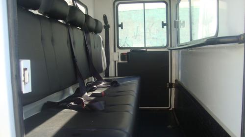 mb accelo 815 ano  2018 casinha 05 passageiros e carroceria