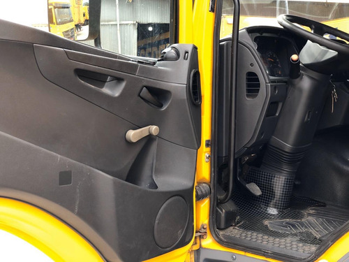 mb atego 2426 ano 2013 6x2 chassis placa bap.3317