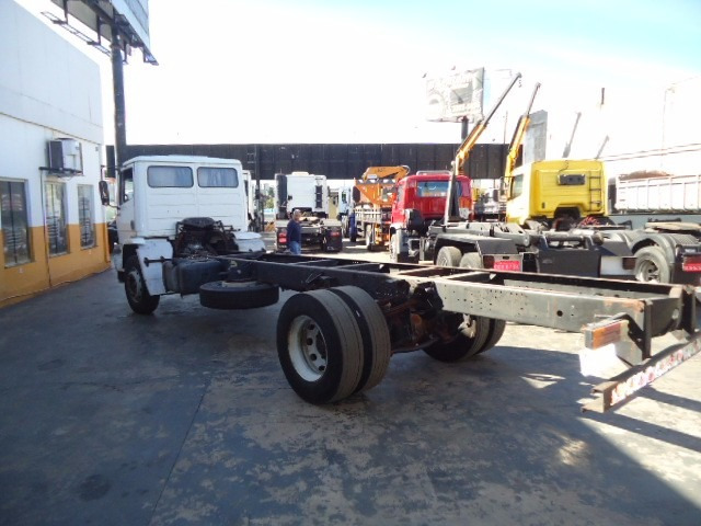 m.benz 1718 ano 2001 toco 4x2 chassi