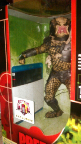 mcfarlane exclusive classic predator con bluray limited ed.