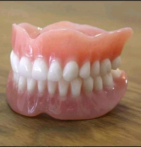 mecanico dental y odontologa atencion a  domicilio