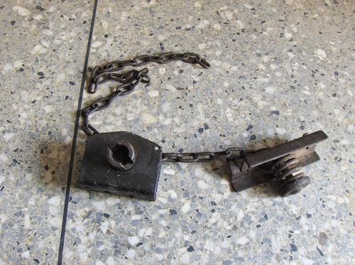 mecanismo porta caucho repuesto para camión o camioneta