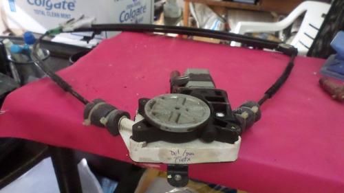 mecanismo vidrio del derecho  ford fiesta 2009    ota 0012