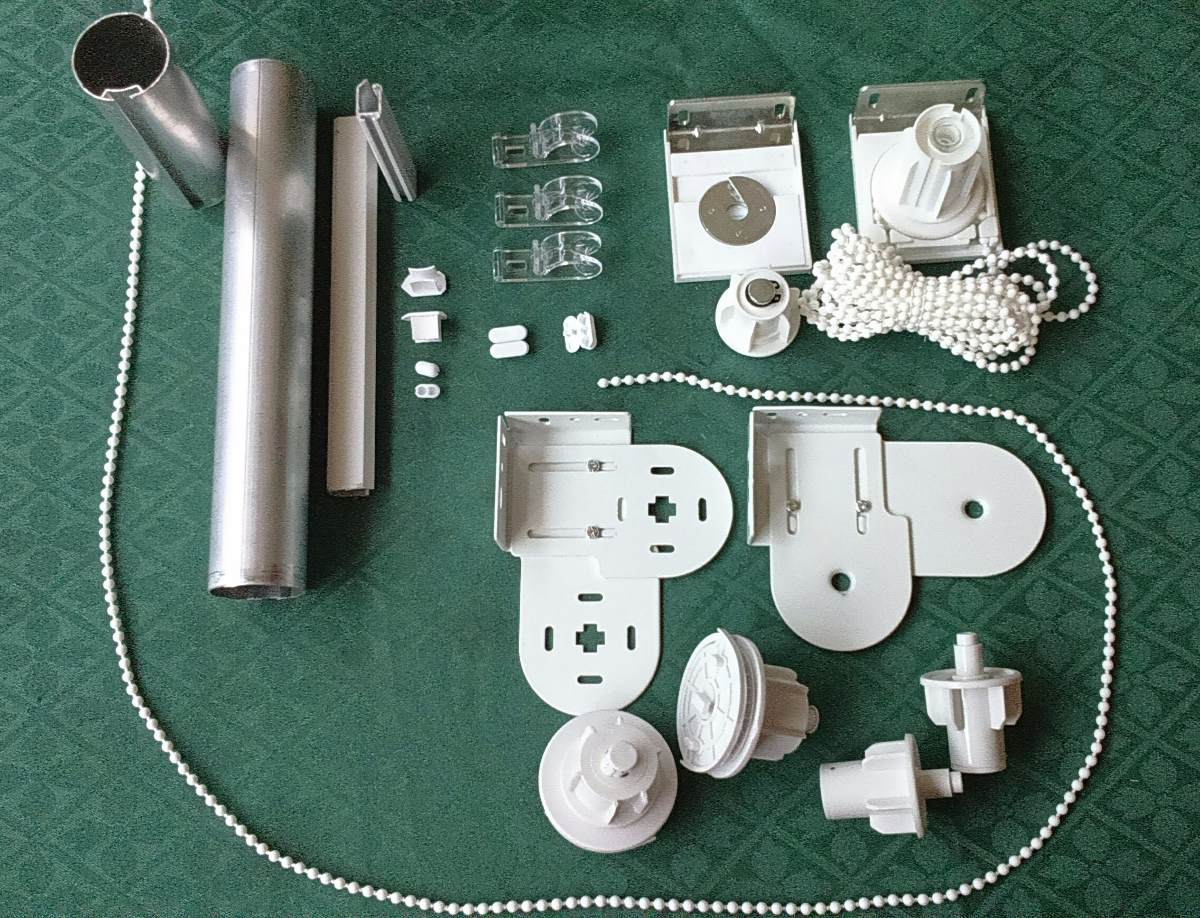 Mecanismos y accesorios para cortinas roller en for Accesorios para colgar cortinas