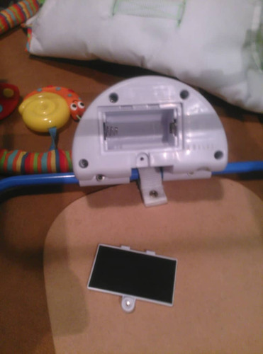 mecedora fisher price con vibracion y movil sonajero