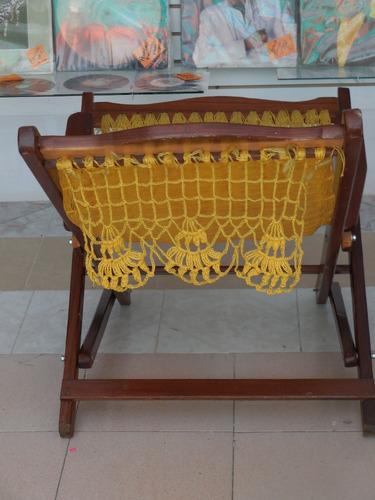 mecedora madera y tejido artesanal
