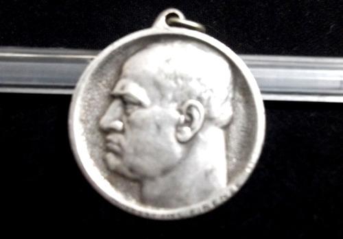 medalha mussolini prata 800 .