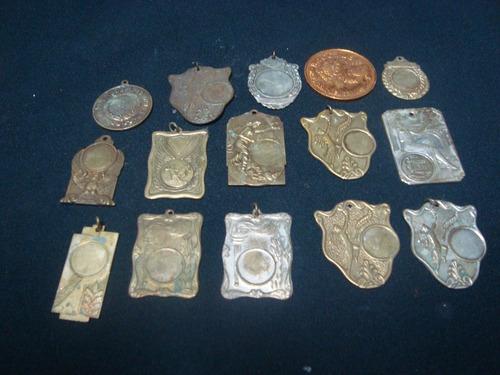 medalhas antiga lote com 15 peças em metal sem inscrição