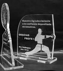 medalla acrilico taekwondo con cinta 5 cm