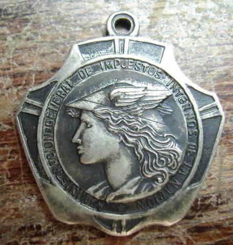 medalla administ de impuestos internos
