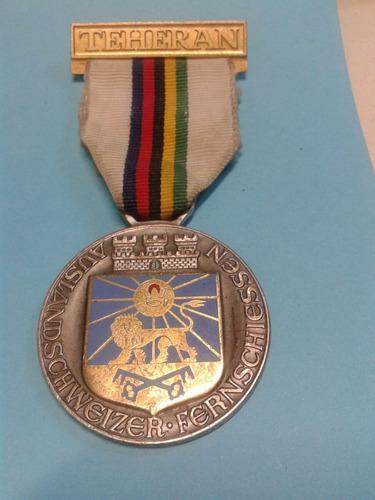 medalla alemana representación en teheran iran