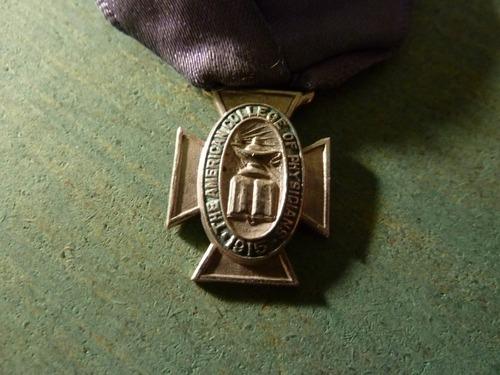 medalla colegio de médicos - vp