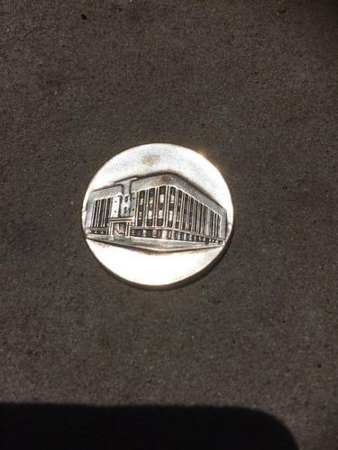 medalla coloc piedra fundamental edif policía dep montevideo