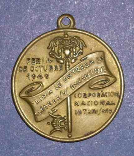 medalla corporación turismo 1949 lima entrega llave encantos