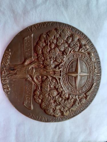 medalla de bronce conmemorativa