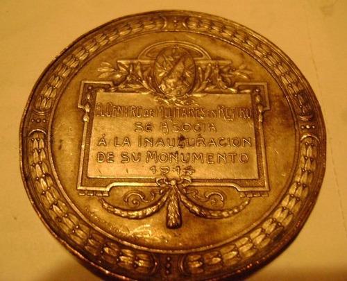 medalla de luis maria campos